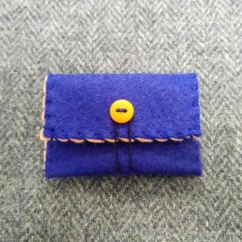 67. mini pouch