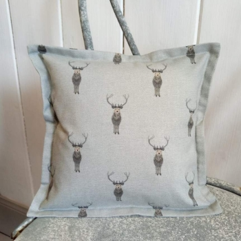14. mini linen cushion