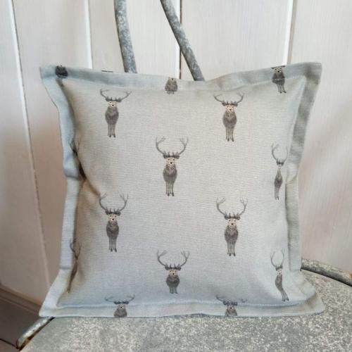 14. mini linen cushion