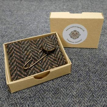 3. tweed pin