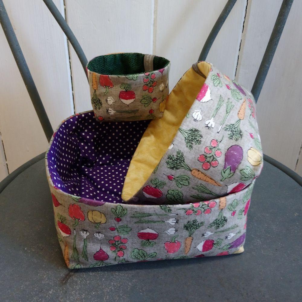 <!-- 009 -->tidy pots