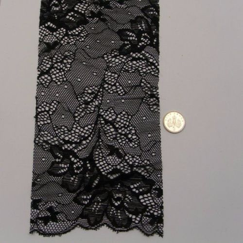 <!--040-->Lace - Black Flowers