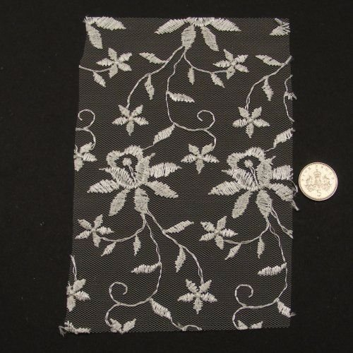 <!--049-->Lace - Ivory Floral