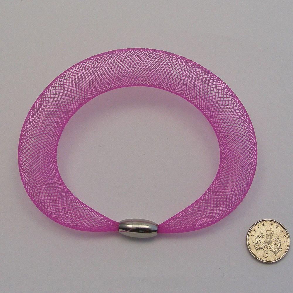 <!--240-->16mm Crin x 1 metre - Pink