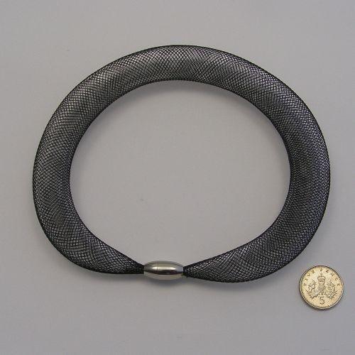 <!--251-->16mm Crin x 1 metre - Black