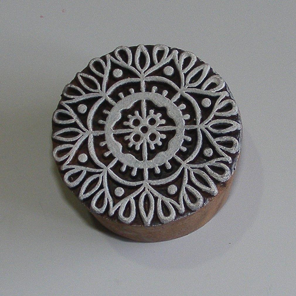<!-62-->(M 62)Mandala - Twist & Dot