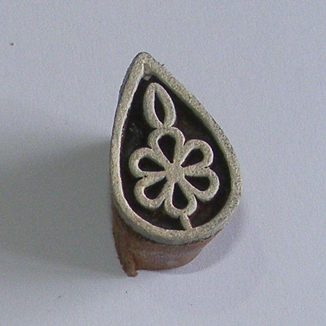 <!--018-->(F 18)Teardrop Flower