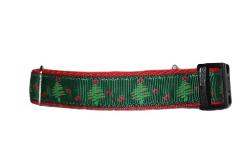Green Xmas Trees - Small Clip Collar