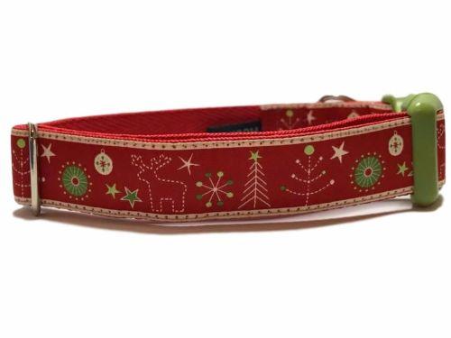 Christmas Market - Medium Clip Collar