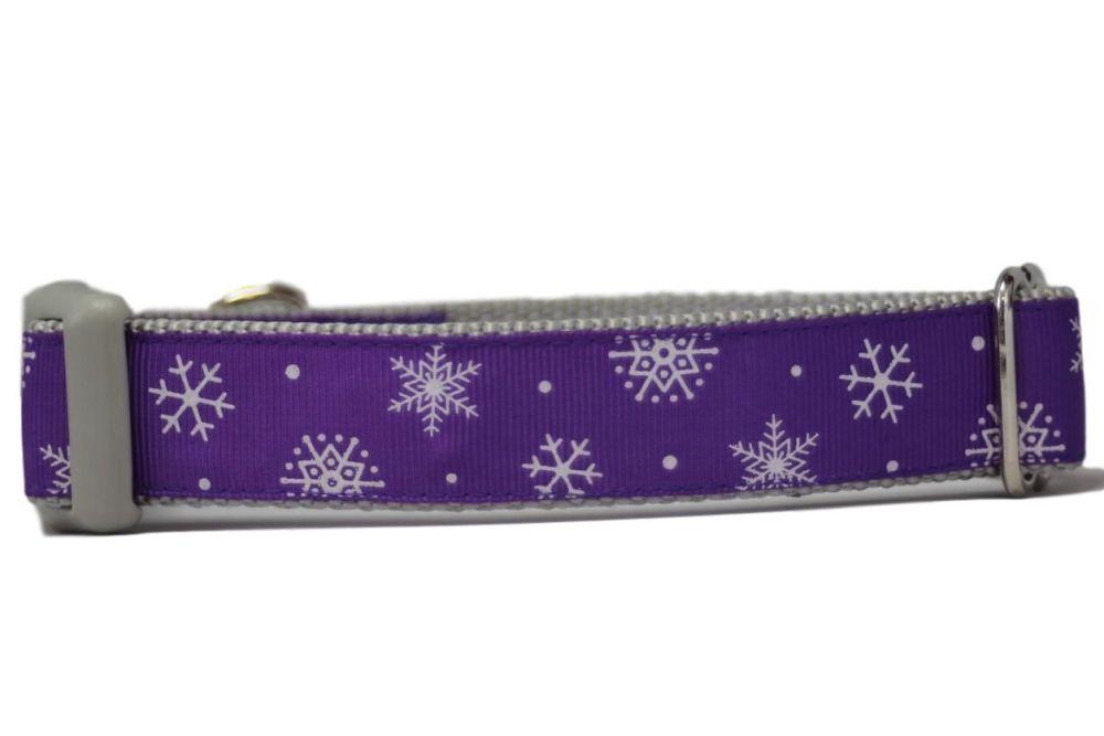 Purple Snowflakes - Medium Clip Collar