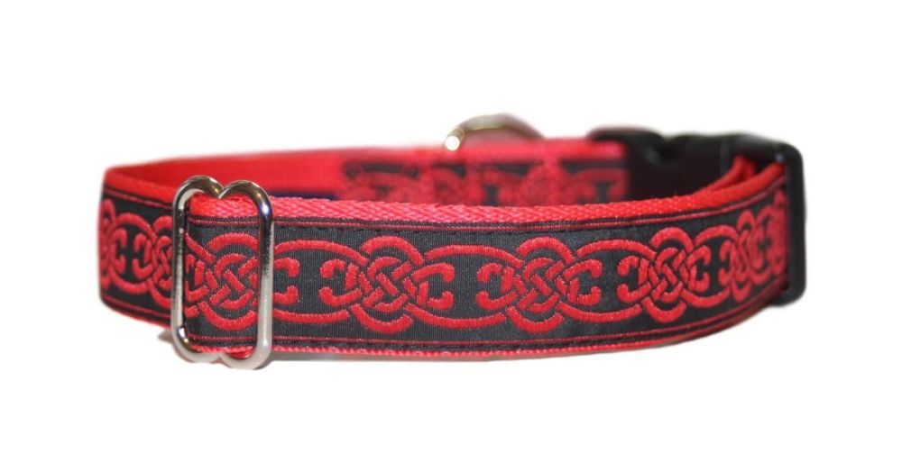 Red Celtic Knot