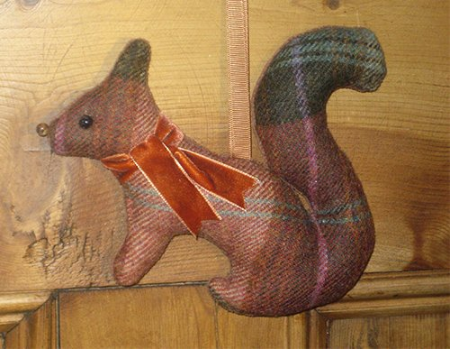 Tweed Squirrel - Chestnut