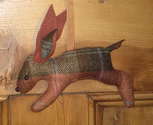 Tweed Hare - Chestnut