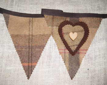 Rustic Heart Bunting - Toffee