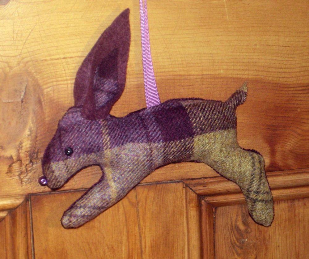 Tweed Hare - blackberry