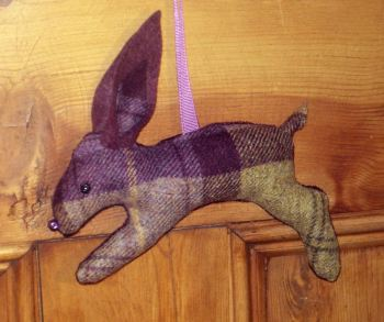 Tweed Hare - Blackberry