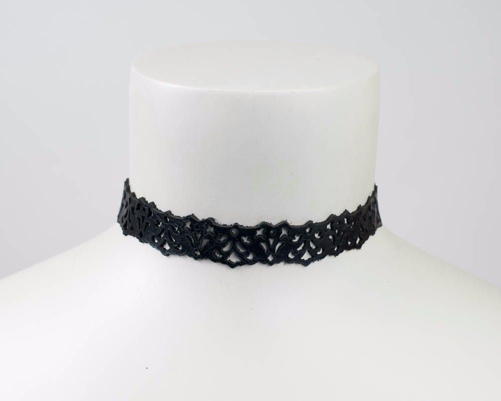 Leather lace choker in Black,Dark red or Brown