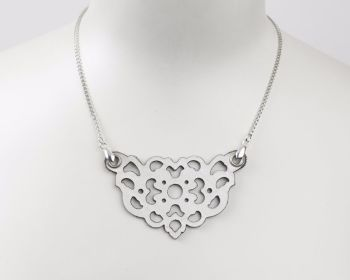 "Laser Cut Leather Necklace ""Clover"" in Black or White"