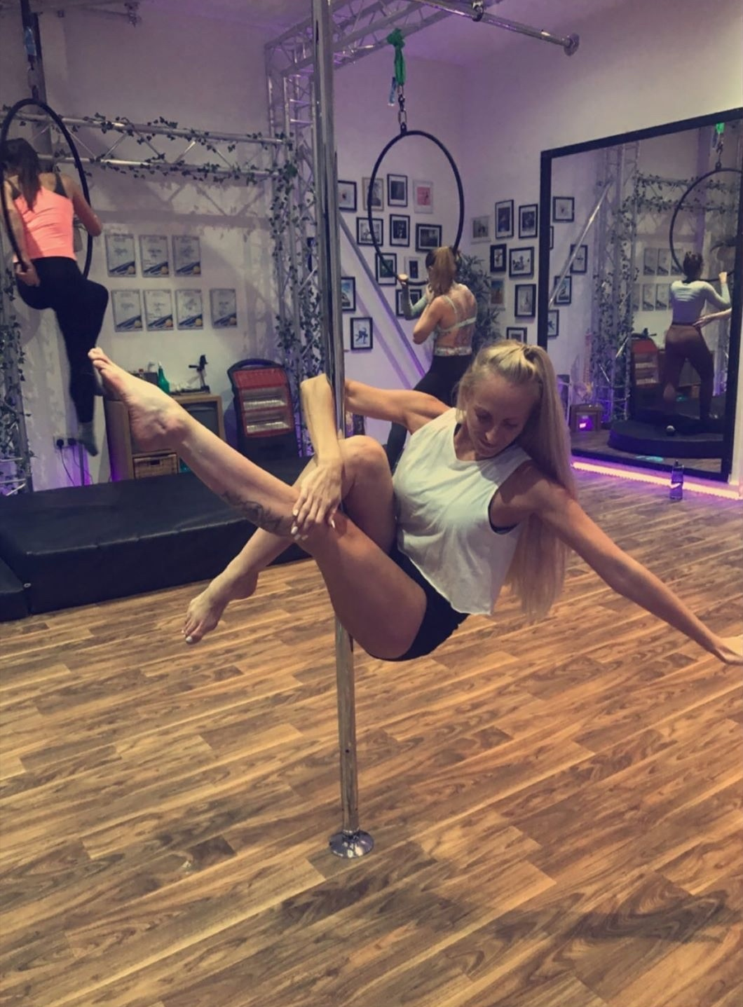 New Studio Dee Pole