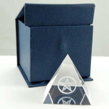CRYSTAL PYRAMID with blue gift box 5 X 5 X 5CM.