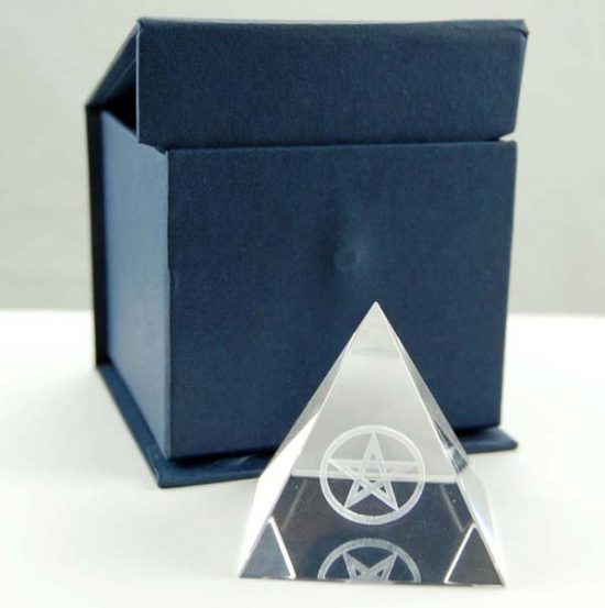 CRYSTAL PYRAMID with blue gift box 5 X 5 X 5CM.
