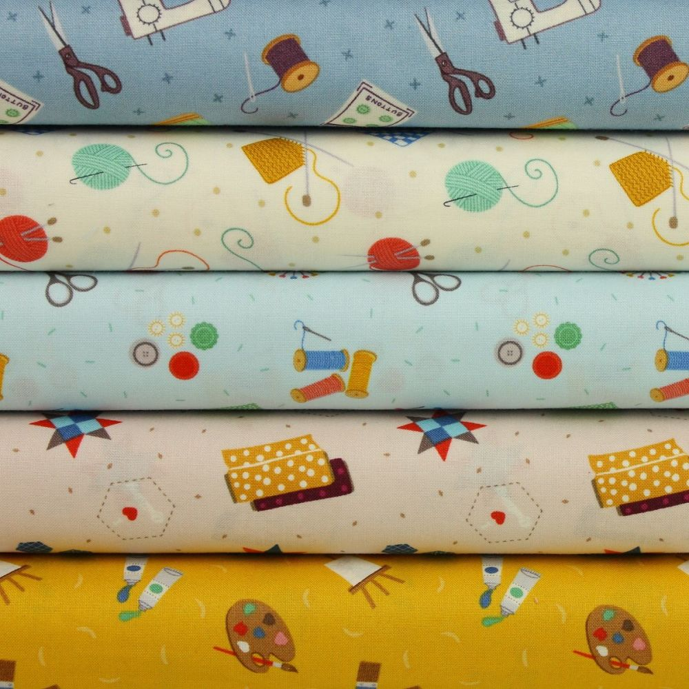 Small Things Crafts - 5 fat quarter bundle - price includes 1st class posta