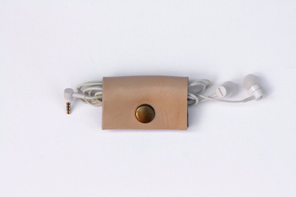Genuine Handmade Leather Cable Tidy - Thick Cream