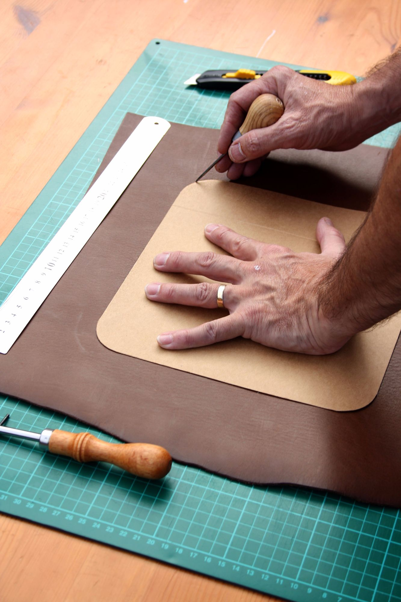 bespoke handmade leather goods