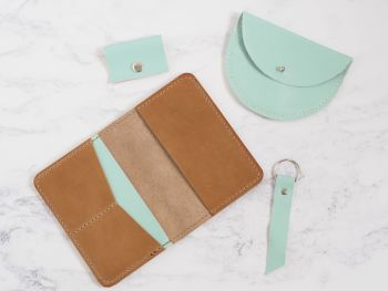 Mint Passport Bundle Gift Set