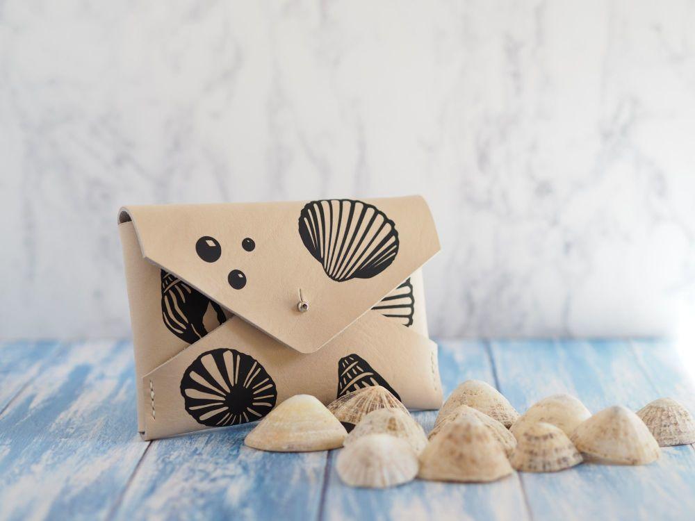 Multiple Sizes - Seashell Design Folded Pouch