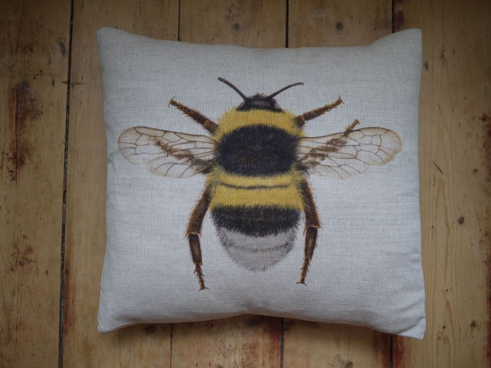 LINEN SINGLE BEE CUSHION