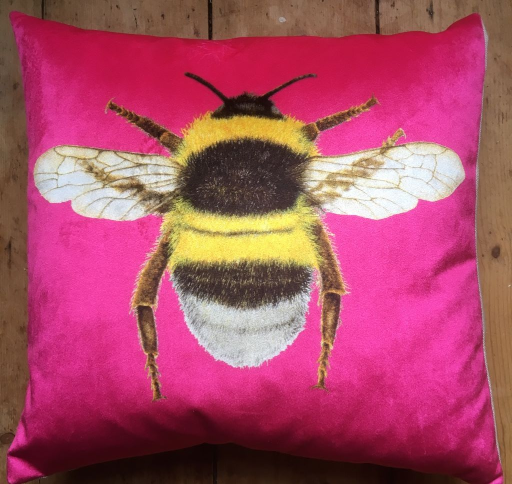 VELVET PINK BEE CUSHION