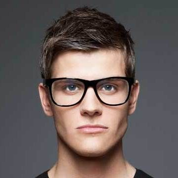 Newly-Fashion-Trends-Eye-Glasses-for-Guys