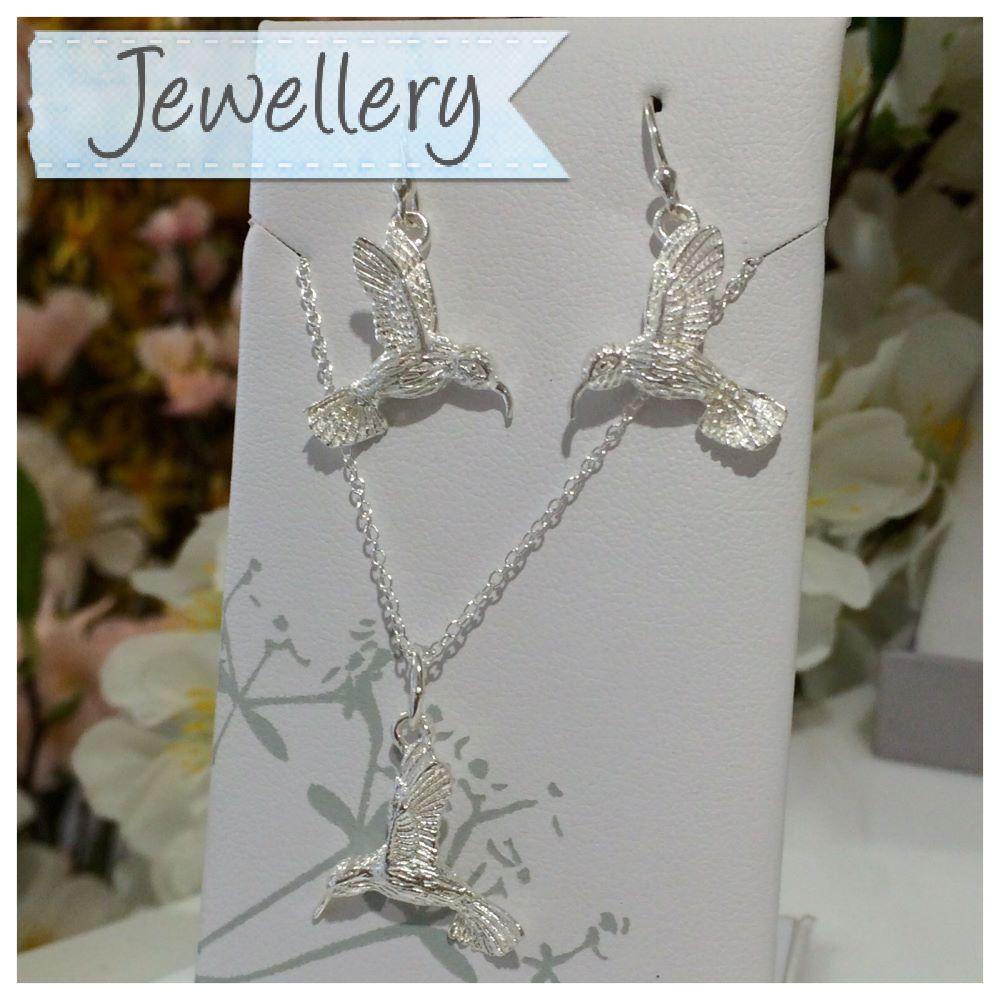 <!-- 00008-->Jewellery