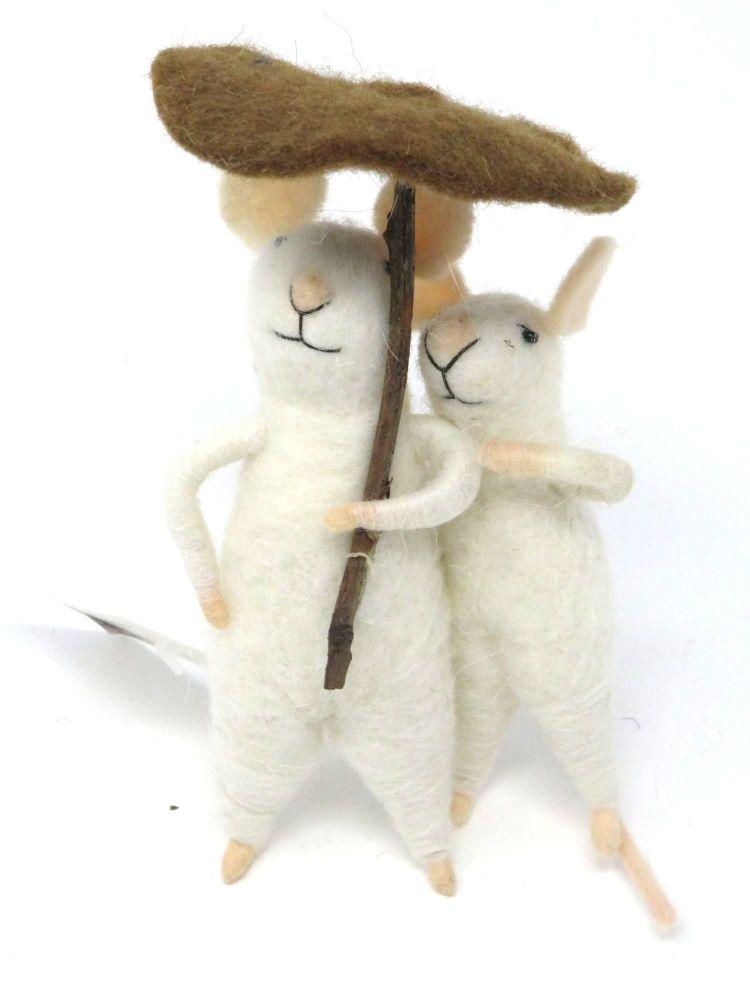 Felt Mouse Umbrella Couple