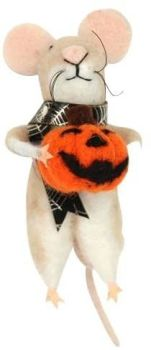 Woollen Mouse with Scarf and Pumpkin