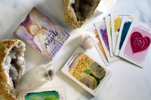 ANGEL CARD AND CRYSTAL