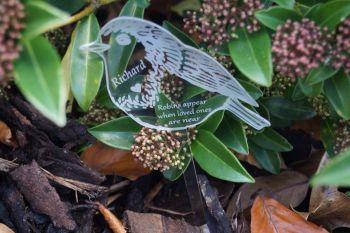 Robins appear memorial Christmas decoration, plant pot decoration, garden decoration