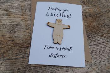 Bear hug,  pocket hug