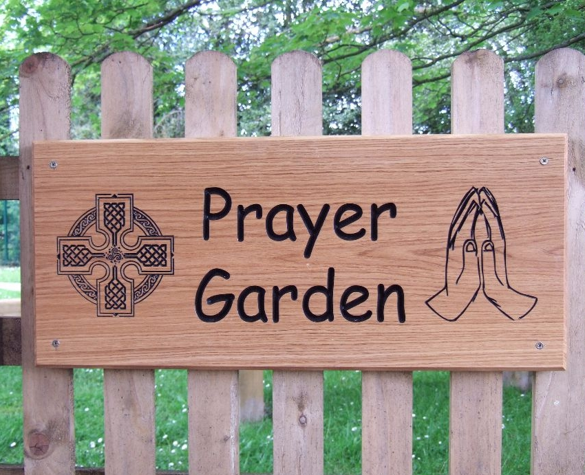 <!--001-->Carved Oak House Signs