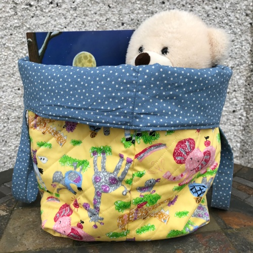 Quilted Storage Bucket Bag with Foxes