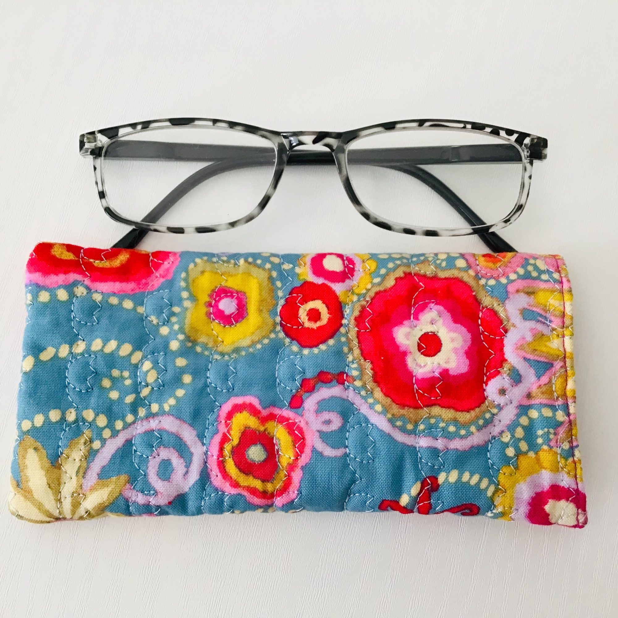 Turquoise glasses case