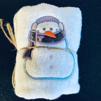Snowman hand towel  - lilac