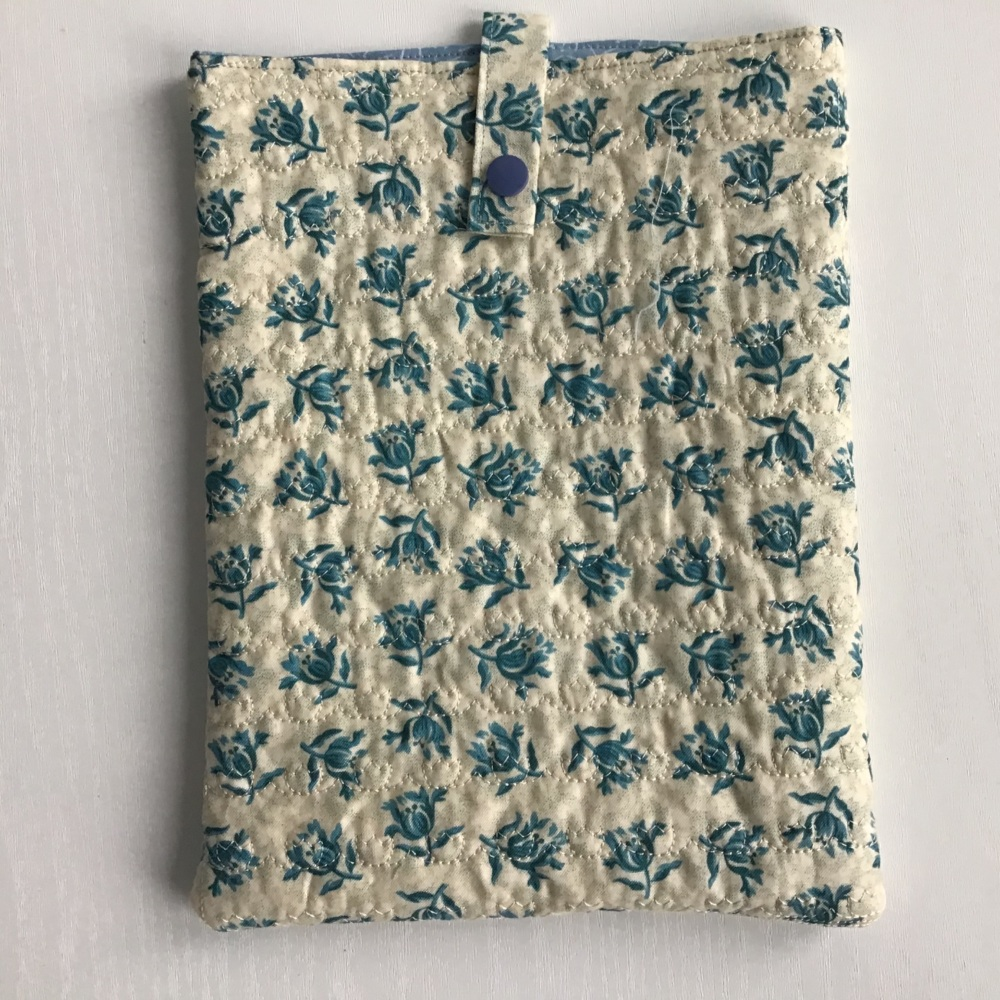 Thistle pattern quilted iPad case