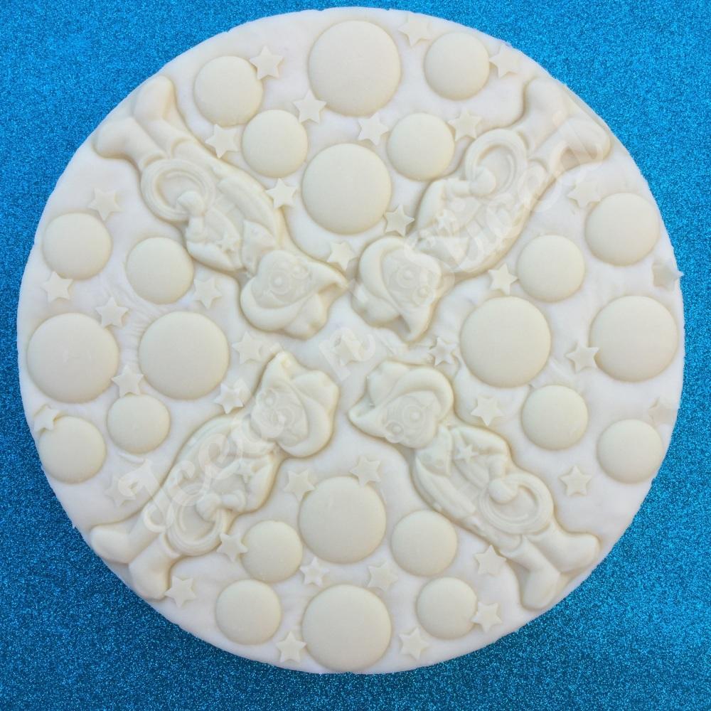 Milkybar Fudge Pizza