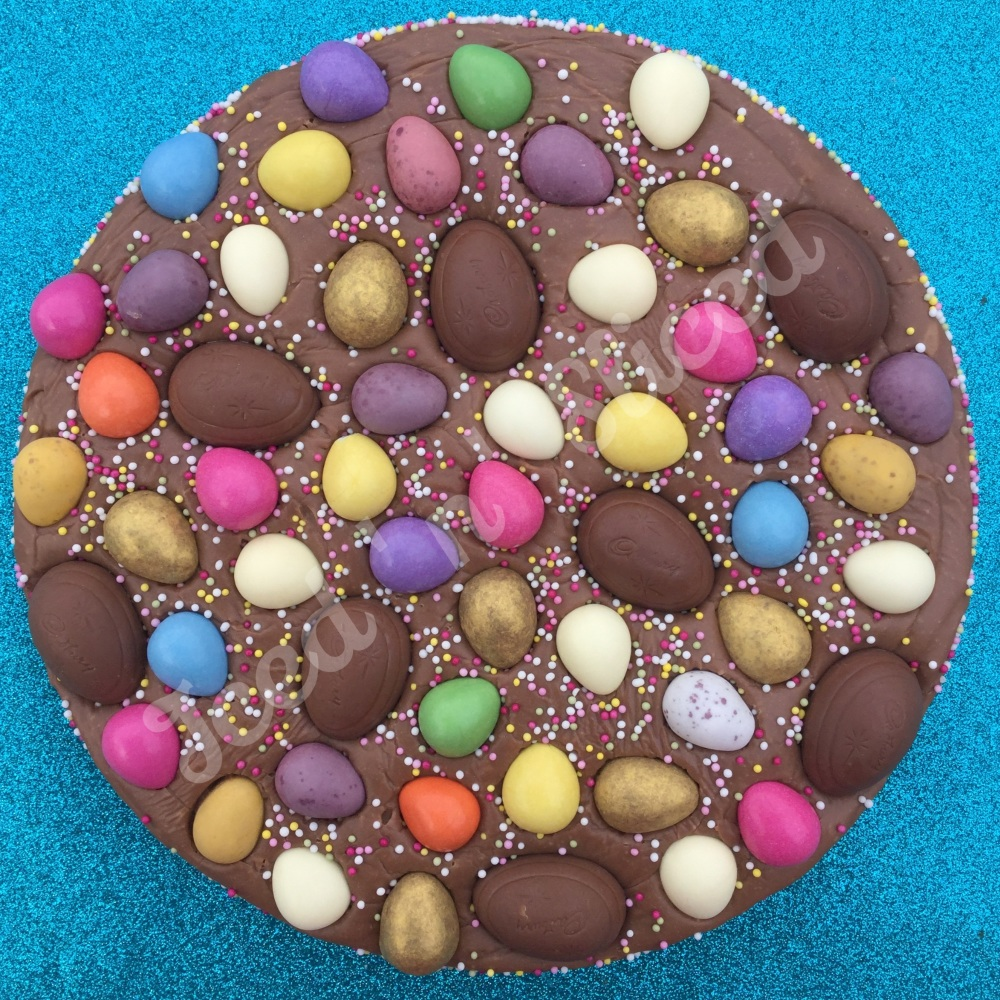 Eggsplosion Fudge Pizza