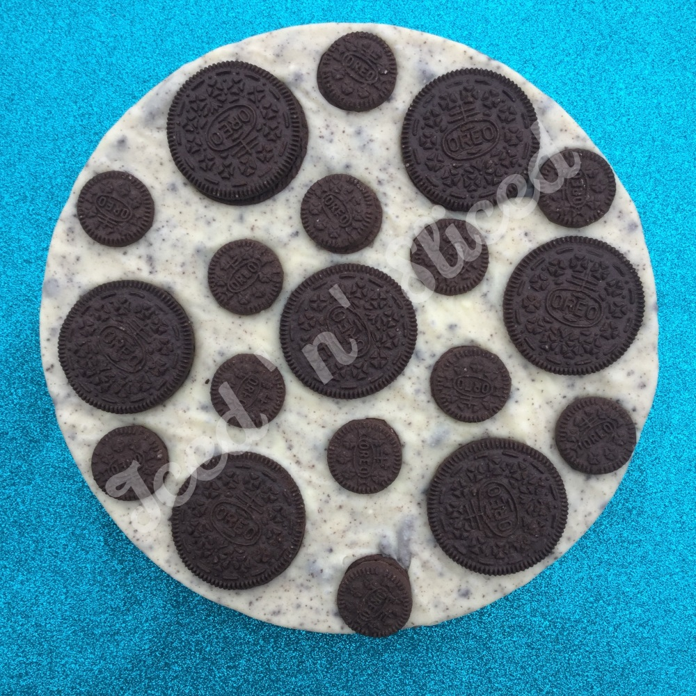 Cookies & Cream Fudge Pizza