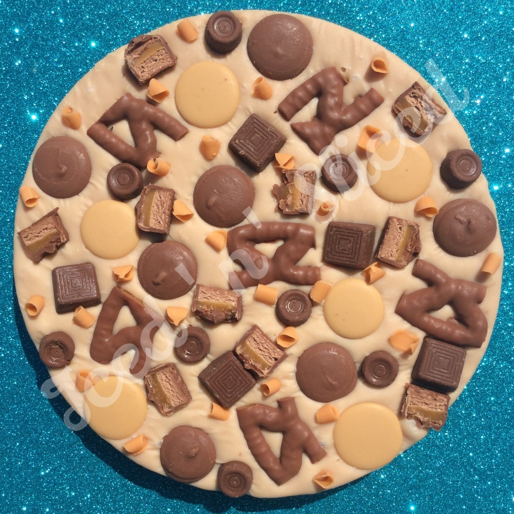 Caramel Crazy fudge pizza