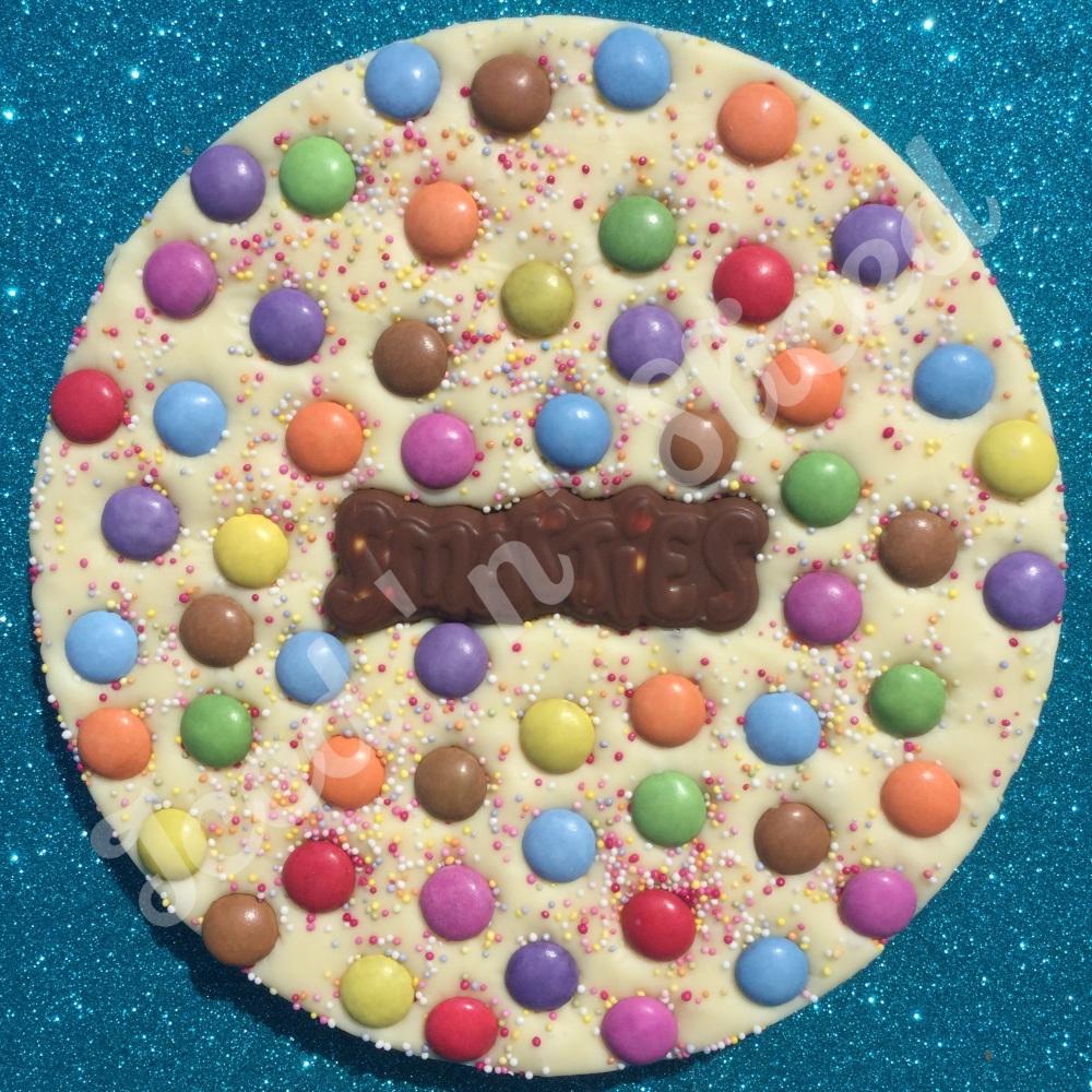 Smarties Fudge Pizza