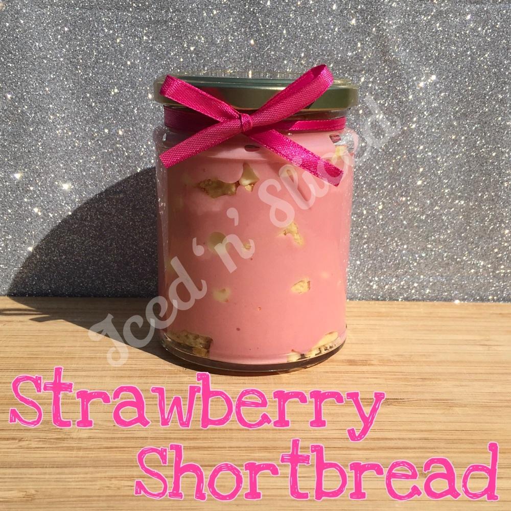 NEW JAR - Strawberry Shortbread little pot of fudge